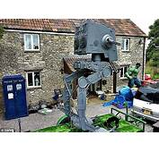 Girlfriend Forces Sci Fi Nut 42 To Sell His 16ft Replica