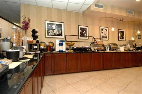 comfort inn paramus nj comfort inn suites paramus deals see hotel photos