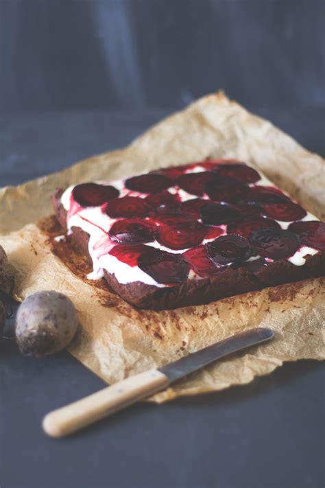 rote grütze kuchen rezept rote bete schokoladen kuchen moey s kitchen foodblog
