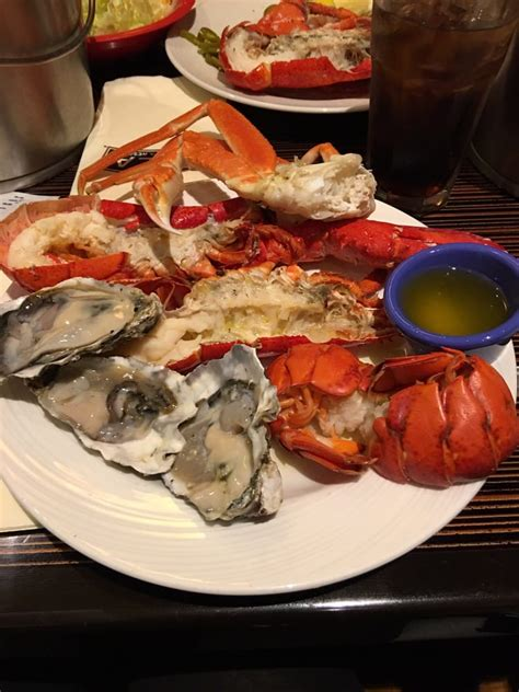 Crab Legs Lobster Tails Raw Oysters Yelp Crab Buffet Near Me