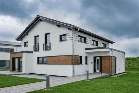 Moderne Fassaden 4179 by Musterhaus Modena Rensch Haus Gmbh Haus Und Grundriss
