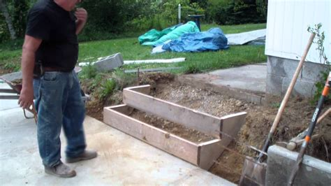 How To Build Concrete Steps forming a set of cement steps part two