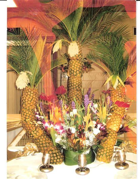 Pineapple Tree Decoration by Pineapple Tree Centerpiece Ideas