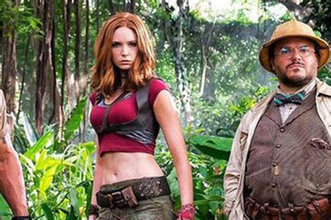 movie after jumanji actress karen gillan defends child sized jumanji attire