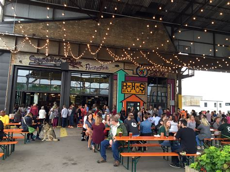 6 breweries that know where beer tastes best: on a patio
