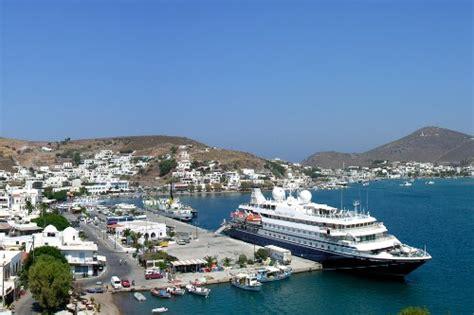 small boat greek island cruises greek islands best cruises and sailing adventures