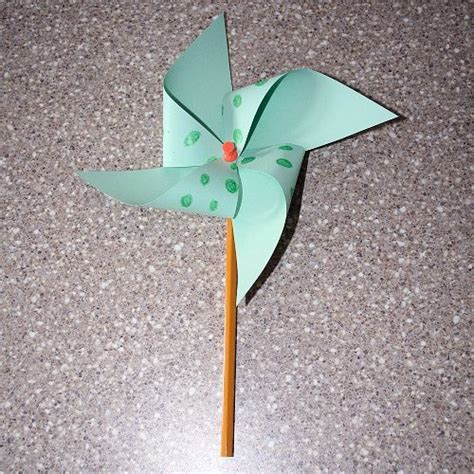 Pinwheel Paper Craft - how to make a paper pinwheel simple craft tutorial