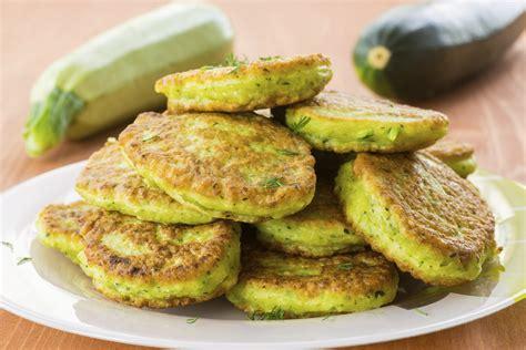 cosa cucinare con le zucchine ricetta pancake alle zucchine non sprecare