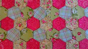 How To Make Patchwork Fabric - hexagonal patchwork sew sensational