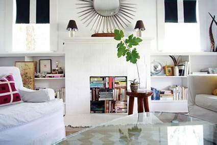how to decorate empty space next to fireplace decorar el interior de la chimenea decoraci 243 n de