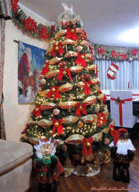 silvana palacios s christmas tree from quito ecuador