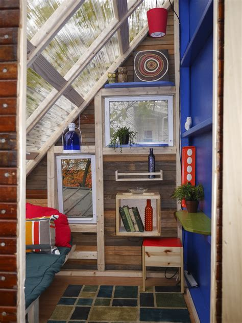 Cabins In Boston by Relaxshacks Deek S New Wildly Colorful Boston Tree