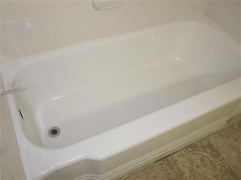 Affordable Bathtub And Tile Recoloring Service Helping Homesellers Update Bathrooms In