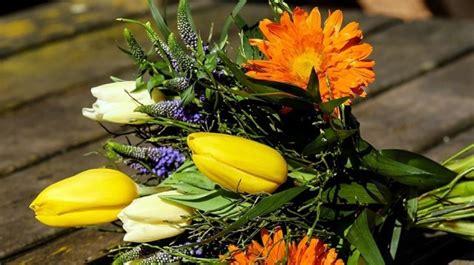 mazzo di fiori mazzo di fiori come sceglierlo idee green