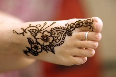henna tattoo on foot tumblr mehndi on 28 pins