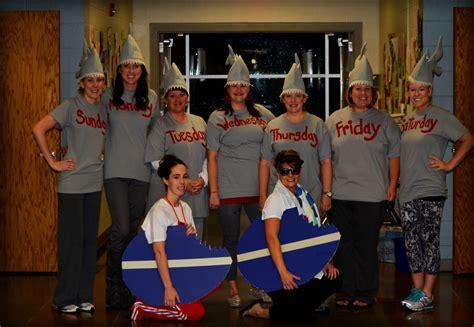 minute group costume shark week