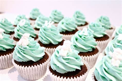 How To Make Baby Shower Cupcakes by How To Make Christening Baby Shower Cupcakes