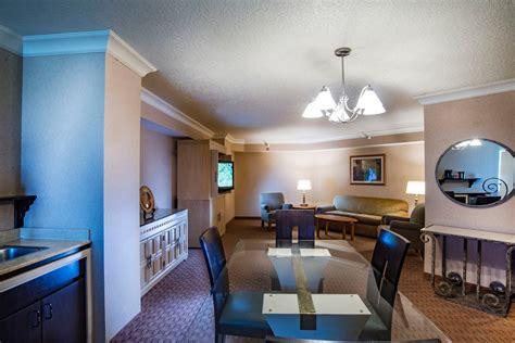 classic grand suite  strat hotel casino skypod