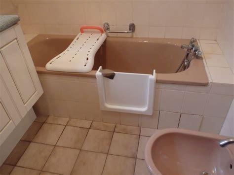porte pour baignoire baignoire a porte 201 tanche bordeaux sobain