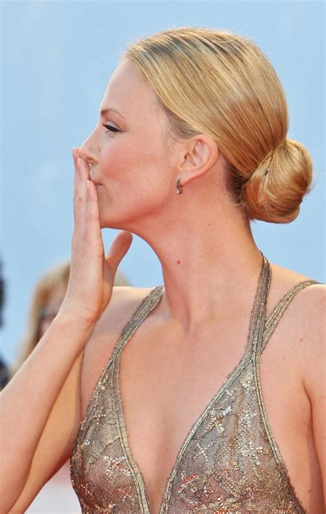 Charlize Theron Pretends To Model by Model Charlize Theron Wallpapers 6610