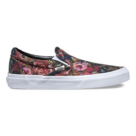 vans flower pattern shoes moody floral slip on shop shoes at vans