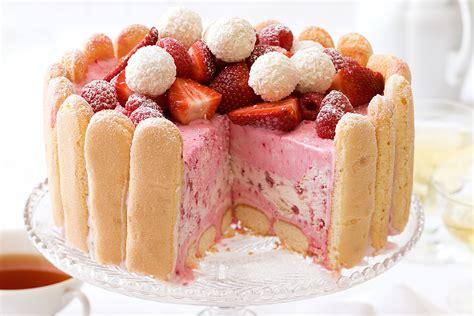Dessert cake strawberries berries sweet food biscotti
