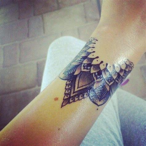henna tattoo pflege die besten 25 am handgelenk ideen auf