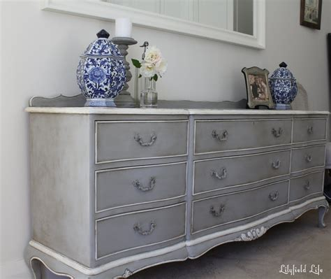 Lilyfield Life Chalk Paint Doesn T Always Need Distressing Painted Bedroom Furniture Ideas