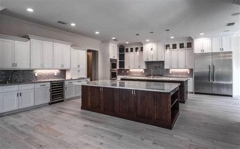 luxury kitchen design   centerpiece