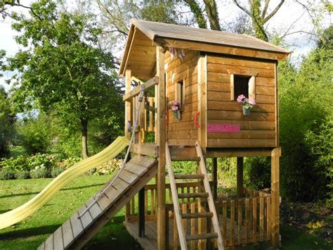 garten spielhaus ein baumhaus f 252 r kinder im garten bauen n 252 tzliche tipps