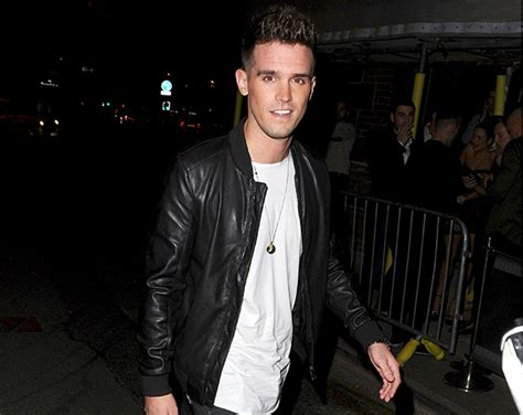 gary beadle admits it was awkward seeing charlotte after gary beadle opens up about charlotte crosby s ectopic