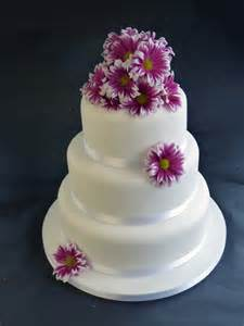 fresh wedding cake with flowers between tiers with wedding cakes finished with fresh flowers 1st birthday cakes new model 15 on 1st birthday cakes new model
