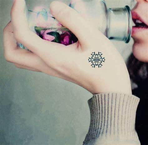 tattoo junkee free shipping 4 pcs beautiful snowflake pattern temporary tattoo