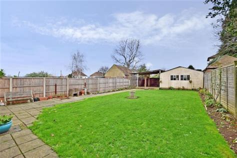 3 bedroom house for sale in maidstone loose road maidstone kent me15 3 bedroom detached house