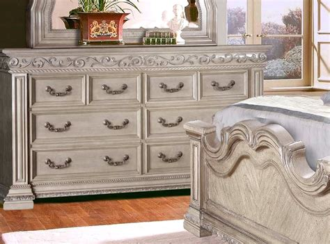 antique white bedroom set valentine antique style 4 pc king bedroom set in antique