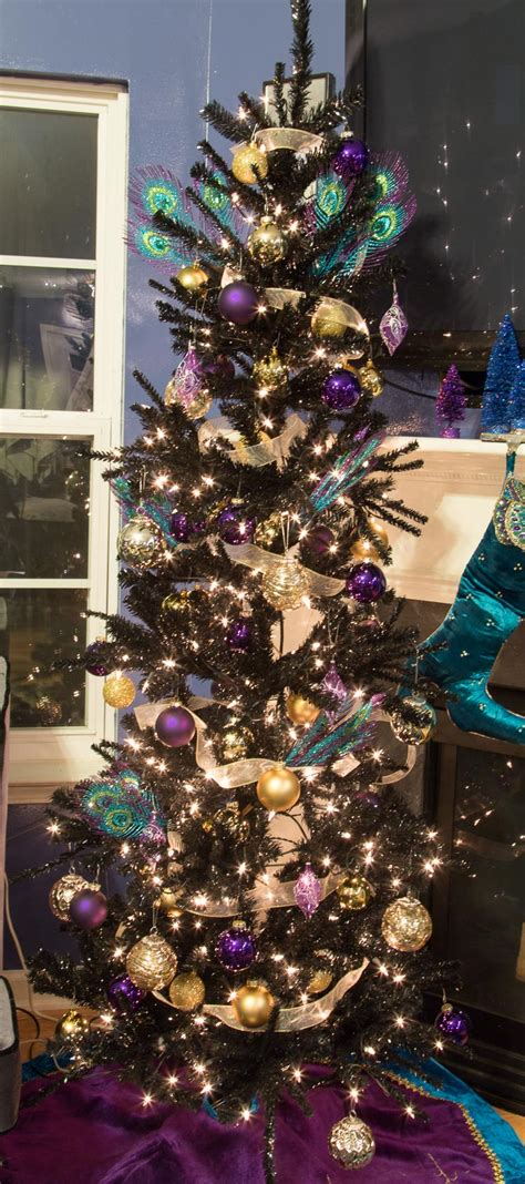 balled christmas tree how to decorate a beautiful tree