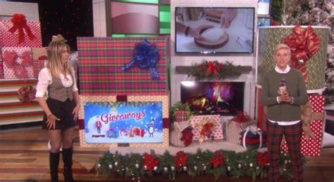 The Ellen Degeneres Show 12 Days Of Giveaways - jennifer aniston and ellen degeneres celebrate day 6 of 12 days of giveaways empty