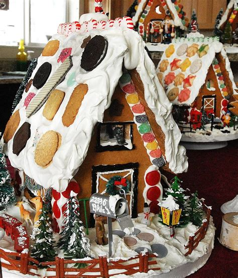 creative gingerbread houses glenwood springs woman finds creative outlet building gingerbread houses postindependent com
