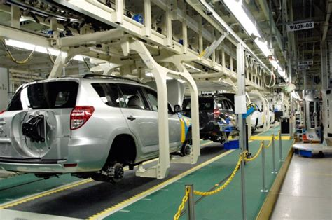 toyota manufacturing company toyota to invest 100m in cambridge ontario plant