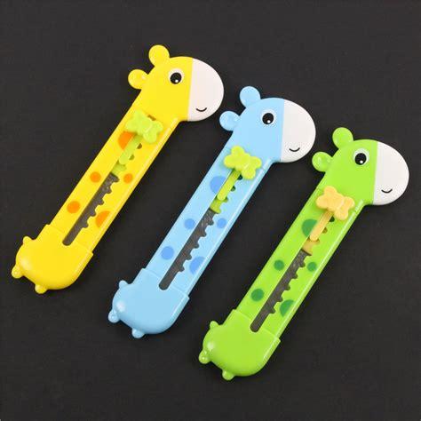 Outdoor Small Knife Box Cutter Letter Opener Lovely Small Giraffe Pen Paper Cutting Knife Letter Opener