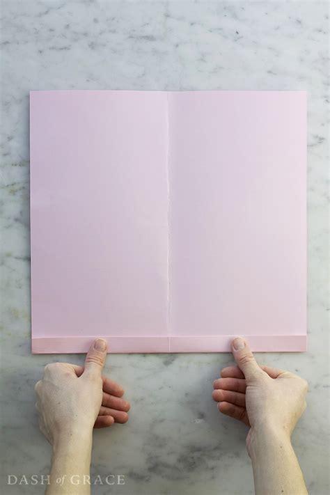 Folding Paper Accordion Style - paper fan paper rosette diy dash of grace