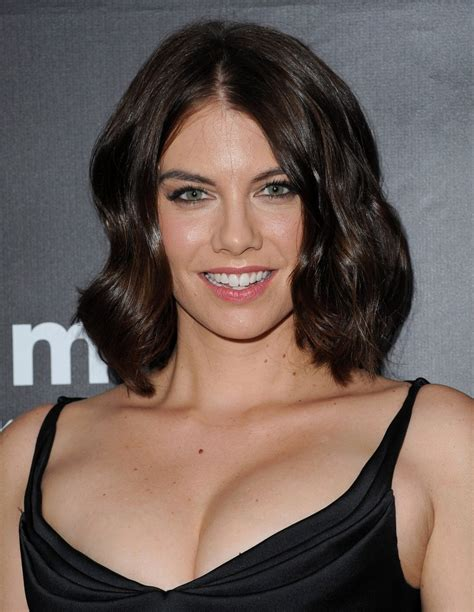 lauren cohan medium wavy cut shoulder length hairstyles