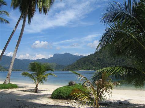 Velly Bintang Laut lake maninjau sumatera