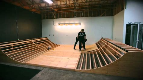 building a halfpipe in your backyard building a mini r in 5 minutes youtube