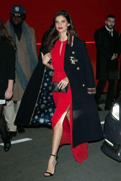 rose bertram tommy hilfiger paris fashion week πως εμφανίστηκαν διάσημα μοντέλα