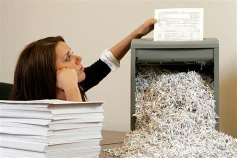 best shredders top 10 best staples paper shredders of 2017 reviews