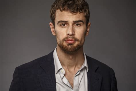 Www Theo | actor theo james relishes this divergent experience