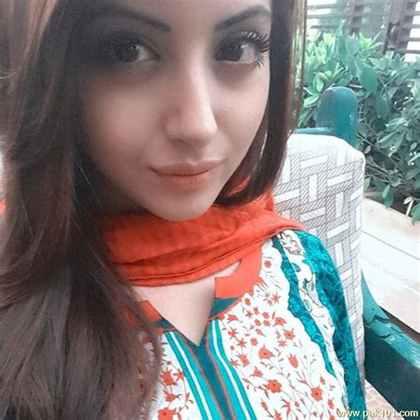 biography of moomal khalid celebrities gt actresses tv gt moomal khalid gt photos