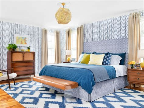 from bland to bold before and after bedroom makeover hgtv - Hgtv Bedroom Makeover