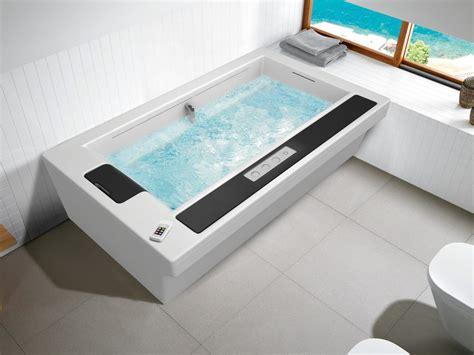 vasca da bagno con seduta vasca da bagno con seduta in flow roca sanitario